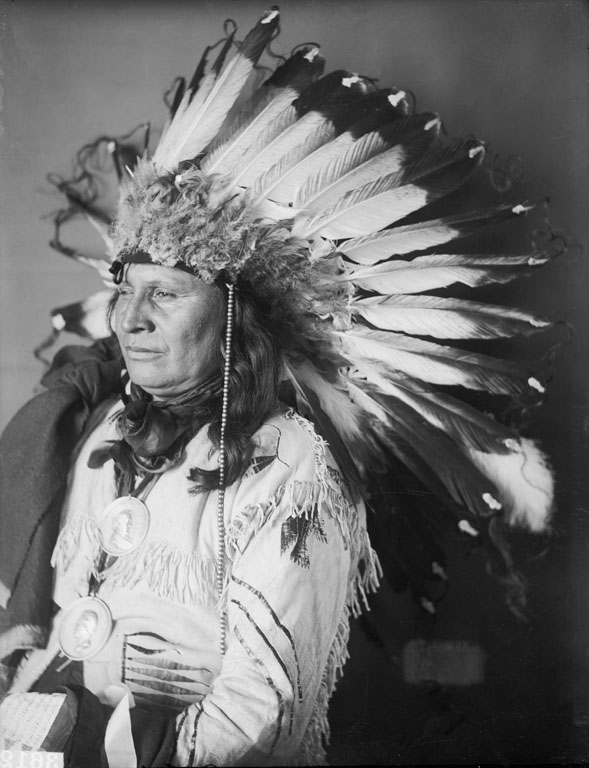American Indians : Hollow Horn - Yankton Dakota 1905.