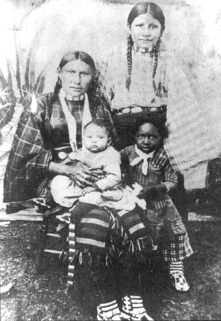 American Indians : Kitty Cloud Taylor and her sister of the Ute.
