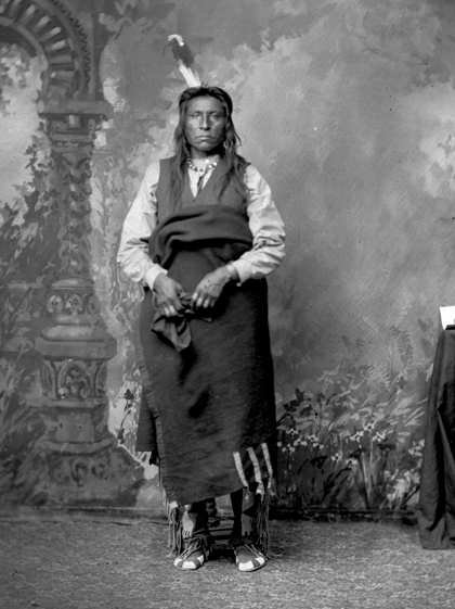 American Indians : Shield - Gros Ventre 1880.