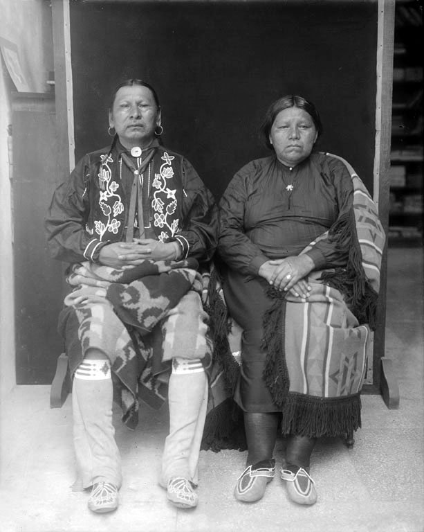 American Indians : Wa xthi zhi and Wife - Osage 1911.