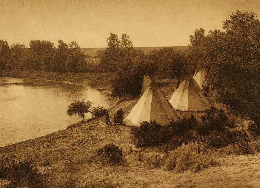 tipi (teepee or tepee) photograph : A Yanktonai River Camp.