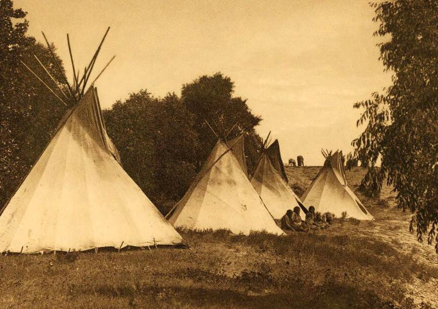 tipi (teepee or tepee) photograph : Assiniboin Camp Life.