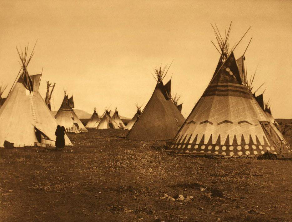 tipi (teepee or tepee) photograph : Painted Piegan Lodges.