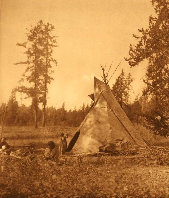 tipi (teepee or tepee) photograph : A Cree Camp at Lac Les Isles.