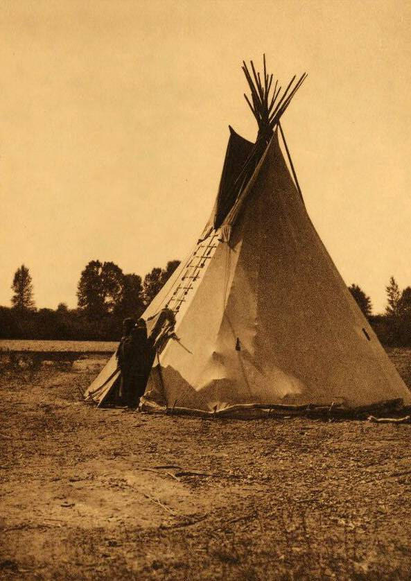 tipi (teepee or tepee) photograph : An Arapaho Camp.
