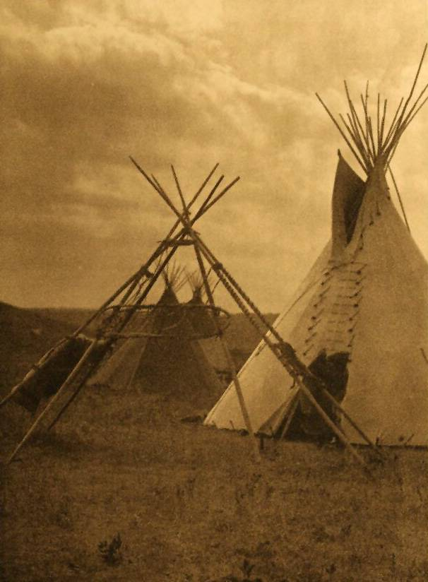 tipi (teepee or tepee) photograph : An Atsina Travaux.